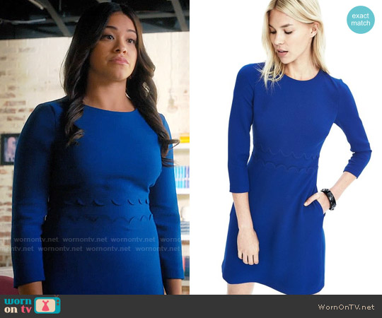 Banana Republic Double-Face Scalloped Waist Dress worn by Gina Rodriguez on Jane the Virgin