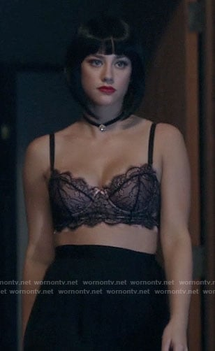 Betty's black and pink lace bra on Riverdale