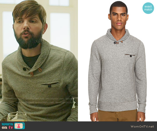 Billy Reid Shiloh Sweater worn by Ed Mackenzie (Adam Scott) on Big Little Lies
