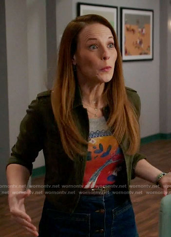 Daphne's bird graphic tee on Switched at Birth
