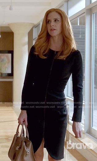 Donna's black zip-front dress on Suits