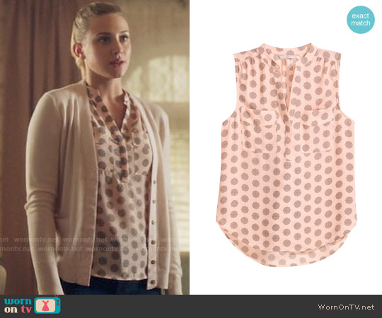 H&M Sleeveless Blouse in Powder Pink / Patterned worn by Betty Cooper (Lili Reinhart) on Riverdale