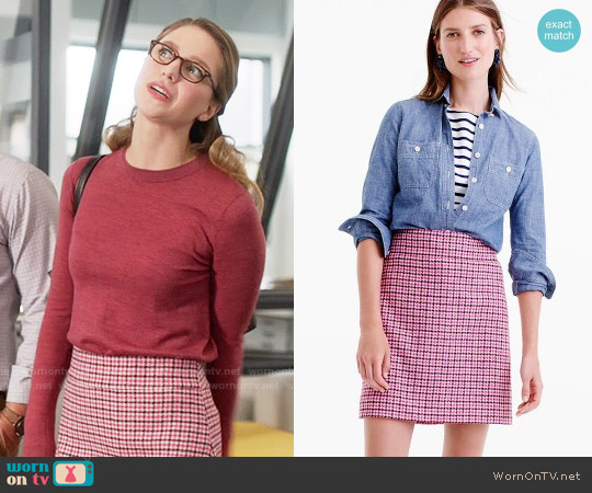J. Crew Mini skirt in pink houndstooth worn by Kara Danvers (Melissa Benoist) on Supergirl