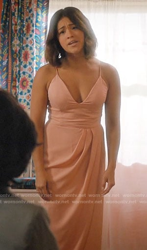 Jane's pink draped dress on Jane the Virgin