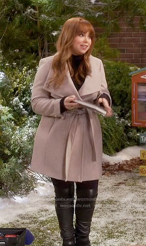 Kristin's beige belted coat on Last Man Standing