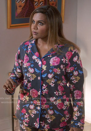 Mindy's grey floral pajamas on The Mindy Project
