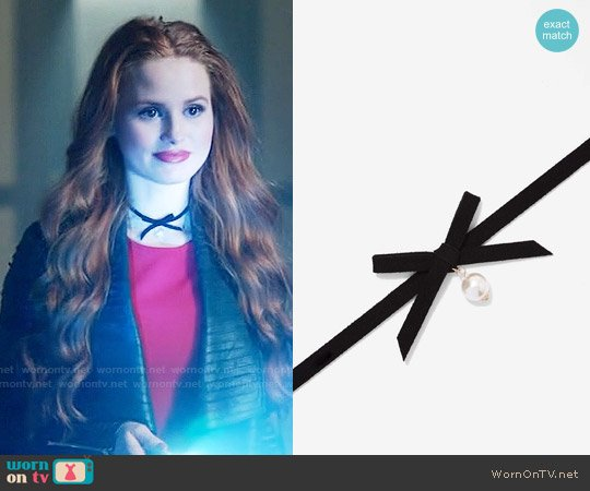 Nasty Gal Here Kitty Satin Choker worn by Cheryl Blossom on Riverdale
