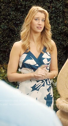 Petra's navy and white floral dress on Jane the Virgin