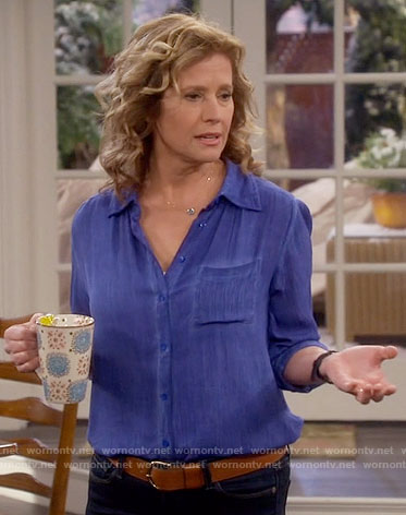 Vanessa's blue button down shirt on Last Man Standing