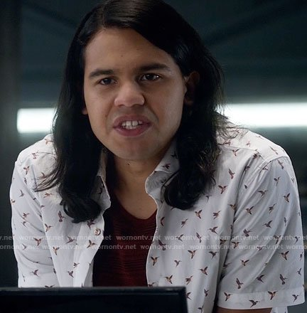 Cisco's bird print shirt on The Flash