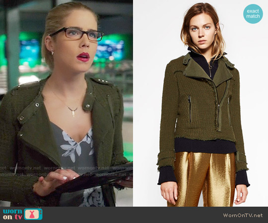 Zara Double Breasted Blazer worn by Felicity Smoak on Arrow