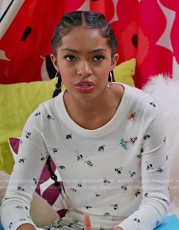 Zoey's embellished bee print sweater on Black-ish