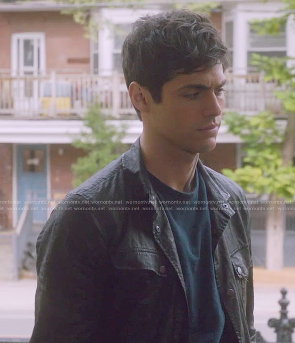 Alec's black jacket with zip pockets on Shadowhunters
