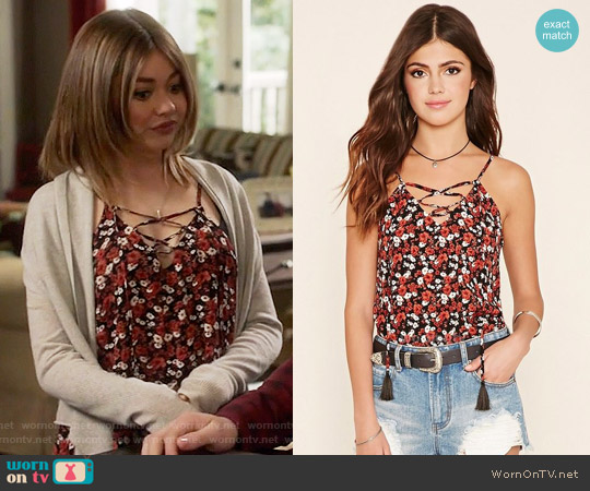 Forever 21 Abstract Print Lace-Up Cami worn by Sarah Hyland on Modern Family