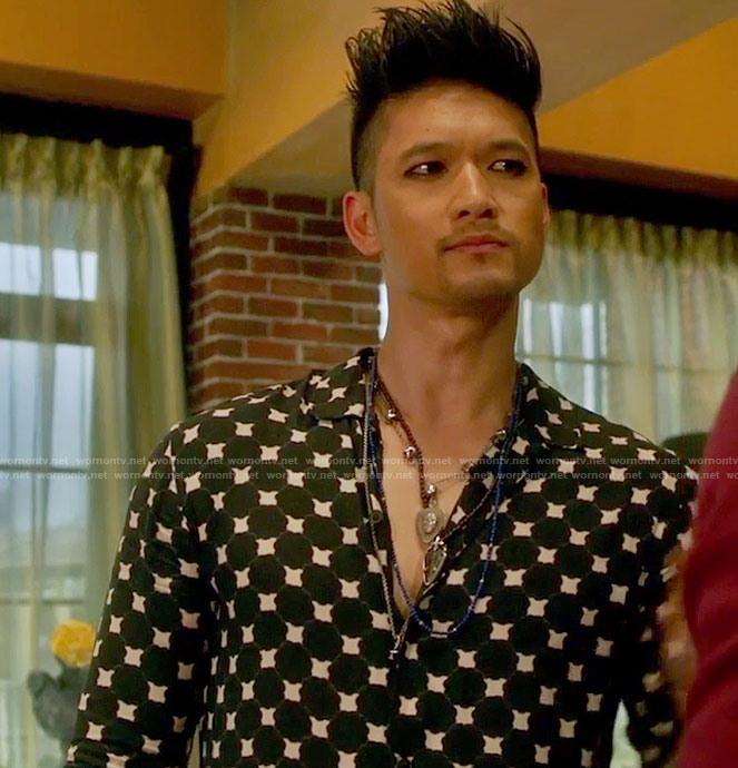 Magnus's black ink-blot shirt on Shadowhunters