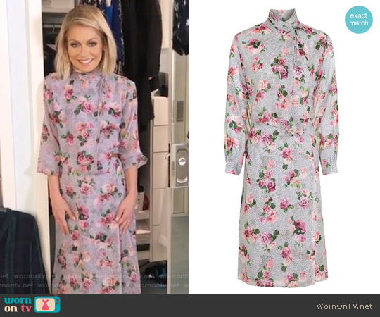 Aubrey Wrap Dress by Topshop worn by Kelly Ripa on Live with Kelly & Ryan