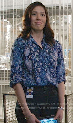 Angela's blue floral print blouse on Bones