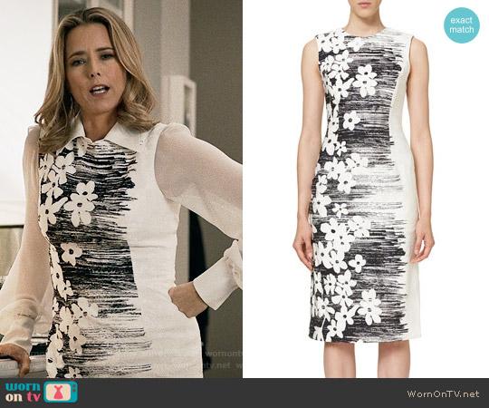 Carolina Herrera Floral Sheath Dress worn by Téa Leoni on Madam Secretary