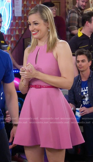 Caroline's pink keyhole fit and flare dress on 2 Broke Girls