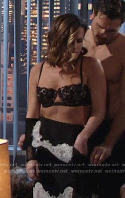 girl gives masturbation