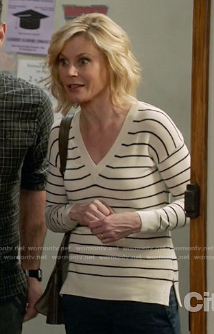Claire's striped v-neck sweater on Modern Family