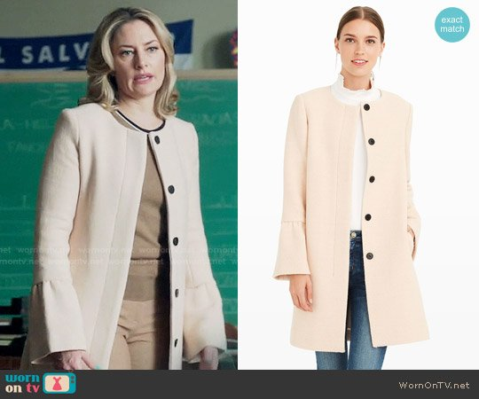 Club Monaco Jaydea Coat worn by Alice Cooper (Mädchen Amick) on Riverdale