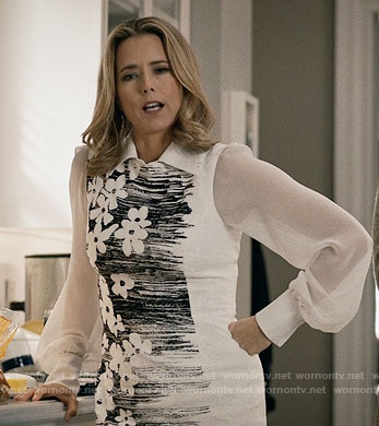 Elizabeth's black and white floral sheath dress on Madam Secretary