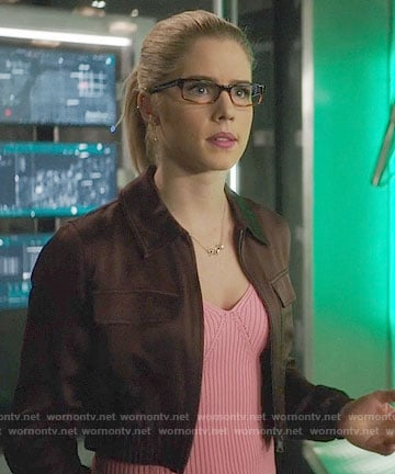 Felicity's pink ribbed top and cropped jacket on Arrow