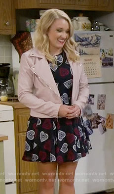 Gabi's heart print dress and pink leather jacket on Young and Hungry