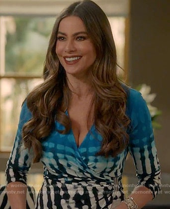 Gloria's blue ombre printed wrap top on Modern Family
