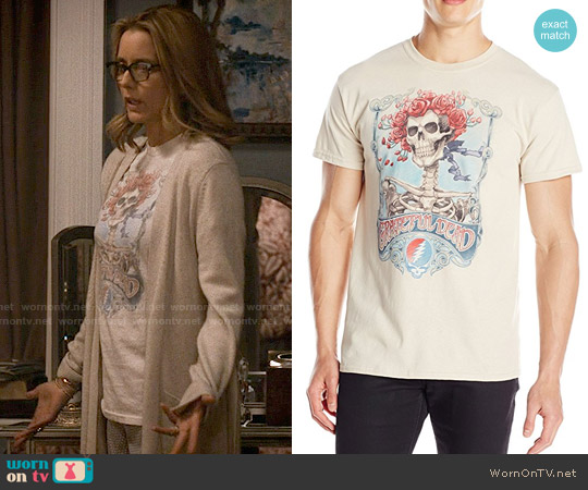 Grateful Dead Mens Big Bertha T-shirt worn by Elizabeth McCord (Téa Leoni) on Madam Secretary