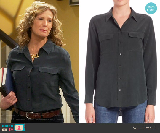 Equipment Signature Silk Shirt worn by Vanessa Baxter on Last Man Standing