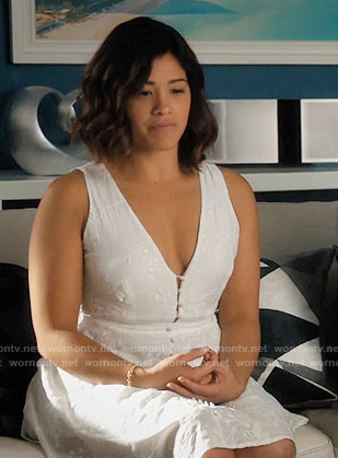 Jane's white embroidered button-front dress on Jane the Virgin