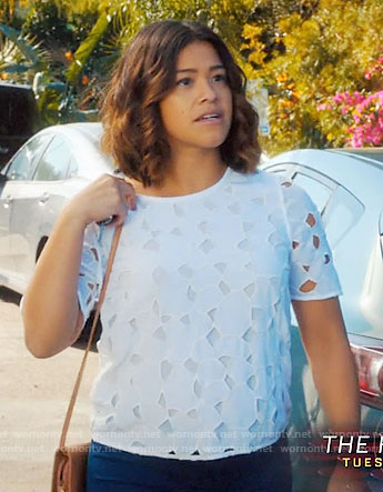 Jane's white eyelet top on Jane the Virgin