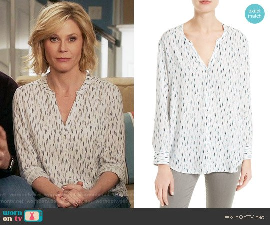 Soft Joie Dane Scribble Print Blouse worn by Julie Bowen on Modern Family