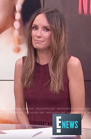 Catt's burgundy sleeveless fringed top on E! News