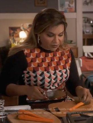 Mindy's geometric print sweater on The Mindy Project
