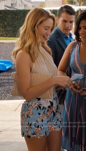 Petra's blue floral shorts on Jane the Virgin