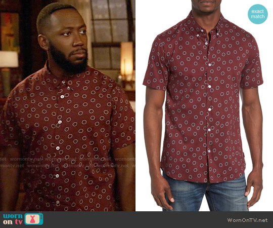 RVCA Ring Print Woven Shirt worn by Lamorne Morris on New Girl