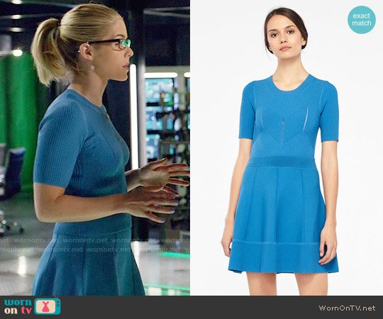 Sandro Elasticated Knit Cropped Sweater worn by Felicity Smoak (Emily Bett Rickards) on Arrow