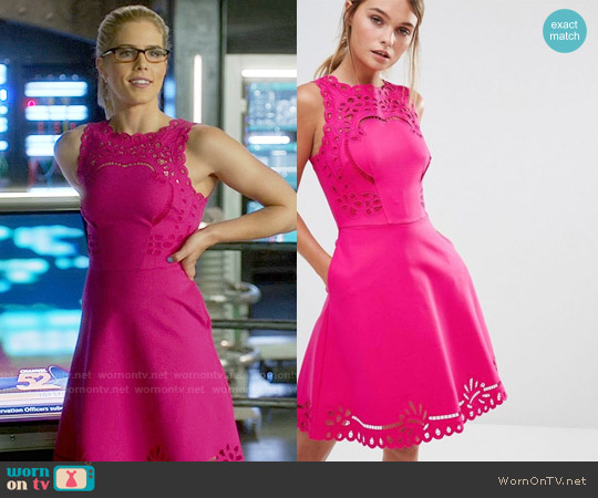 Ted Baker Verony Dress worn by Felicity Smoak (Emily Bett Rickards) on Arrow