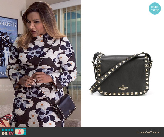 Valentino Rockstud Crossbody Bag worn by Mindy Lahiri on The Mindy Project