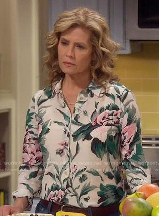 Vanessa's peony print shirt on Last Man Standing