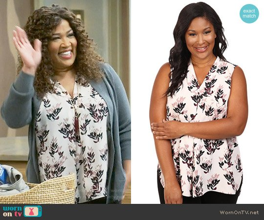 Vince Camuto Leaf Trio Blouse worn by Kym Whitley on Young & Hungry
