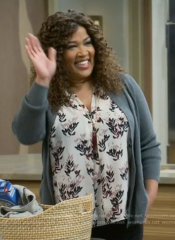 Yolanda's pink and black leaf print top on Young and Hungry