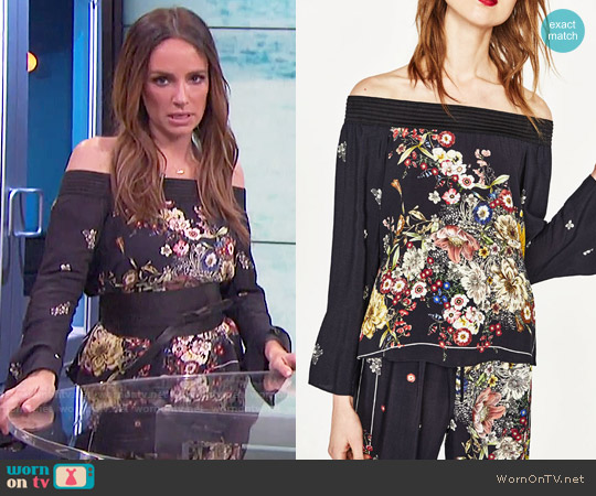 Zara Printed Off The Shoulder Top worn by Catt Sadler on E! News