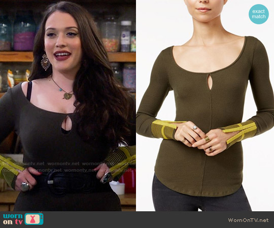 Free People Mod Striped-Cuff Top worn by Kat Dennings on 2 Broke Girls