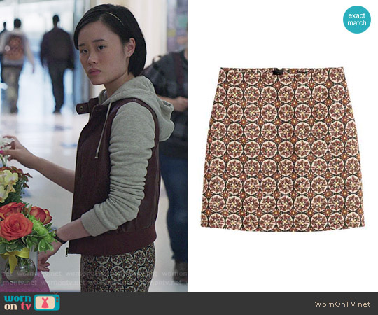 H&M Patterned Skirt in Light Beige / Patterned worn by Michele Selene Ang on 13 Reasons Why