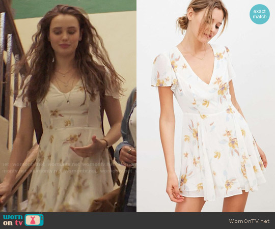 Kimchi Blue Sarah Flutter-Sleeve Chiffon Mini Dress worn by Hannah Baker (	Katherine Langford) on 13 Reasons Why