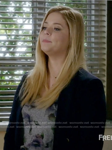 Ali's grey floral tee and spike necklace on Pretty Little Liars